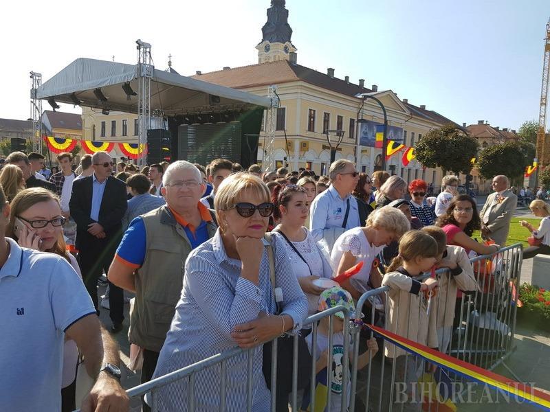La mulți ani, Oradea! Festivități mai bogate ca oricând, de Ziua Orașului, cu paradă militară, artificii și cadouri tricolore (FOTO / VIDEO)