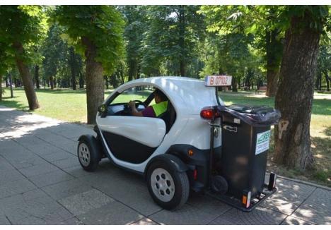 ZERO EMISII. Cea mai nouă achiziţie din curtea RER Ecologic Service este un Renault Twizy, autoturism cu motor electric, total nepoluant. O maşină mică, perfectă pentru salubrizarea stradală!