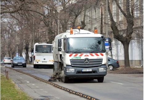 VIITOR INCERT. Conform contractului încheiat cu Primăria, RER Vest va curăţa străzile oraşului şi va aduna gunoaiele orădenilor până la finalul anului 2019, urmând ca din 2020 aceste sarcini să revină firmei care va câştiga licitaţia organizată la nivel judeţean în cadrul proiectului SMID