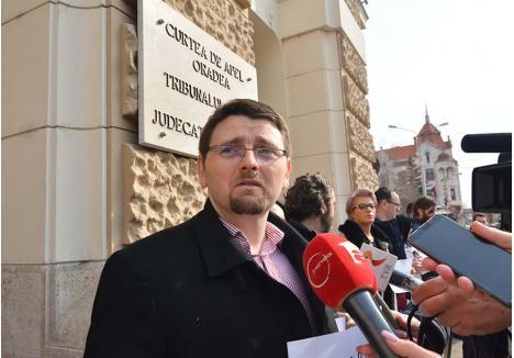 """VICTIMĂ, NU ABUZATOR. Acuzat, împreună cu alţi patru foşti colegi de la DNA Oradea, că ar fi anchetat şi trimis abuziv în judecată persoane nevinovate, procurorul Cristian Ardelean (foto) afirmă că, dimpotrivă, el este hărţuit nejustificat de Inspecţia Judiciară şi vestita Secţie Specială, asmuţite împotriva anchetatorilor anticorupţie la dorinţa """"clienţilor"""" interesaţi să scape de răspunderea propriilor fapte"""