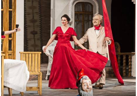 """Anda Tămăşanu şi Sebastian Lupu, în spectacolul """"...Escu"""" (foto: Remus Toderici, sursa: Facebook - Teatrul Regina Maria)"""