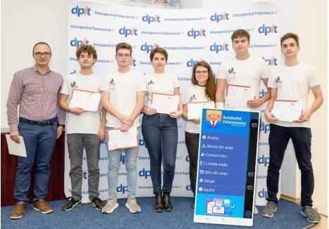 PE PODIUM. Aplicaţia Citizen Assistant le-a adus liceenilor orădeni premiul III la un concurs regional de IT, la care au participat zeci de echipe de elevi din Cluj, Bihor, Sibiu, Mureş, Braşov şi Maramureş