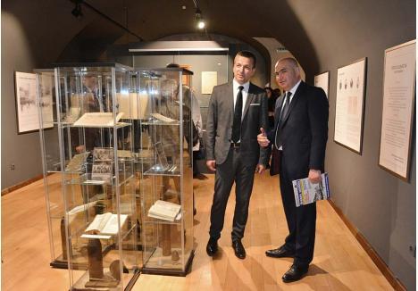 VIZITE ÎN CIRCUIT. Ilie Bolojan şi Florin Birta (în imagine la inaugurarea unei expoziţii dedicate generalului Traian Moşoiu la Muzeul oraşului) s-au înţeles să lase gestionarea muzeelor orădene în seama Consiliului Judeţean