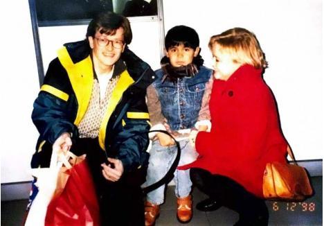 """ZIUA INDEPENDENŢEI. Dacian a început o viaţă nouă, la 6 ani, într-o lume nouă. Crescut până atunci în Leagănul de Copii din strada Traian Lalescu, unde a suferit bătăi şi lipsuri, băiatul a fost adoptat de un cuplu finlandez şi apoi a ajuns pe o insulă din Marea Baltică. Era în 1998, pe 6 decembrie, Ziua Independenţei în Finlanda. """"Mama mi-a spus că şi eu, şi Finlanda, ne sărbătorim în aceeaşi zi independenţa"""", zice tânărul"""