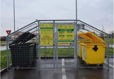 SUB CHEIE. Containerele asociaţiilor de proprietari sunt închise în ţarcuri anume amenajate şi dotate de RER cu sisteme automate de închidere