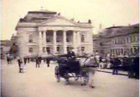 IMAGINI RARE. Filmul pe care primul regizor orădean, Jenő Székely, l-a făcut cu prilejul vizitei lui Valdemar Psilander la Oradea s-a pierdut, probabil în timpul Primului Război Mondial. În schimb, pe internet circulă un filmuleţ de 3 minute şi 12 secunde, datat 1919, care prezintă scene din oraş: o trăsură în faţa Teatrului, oameni plimbându-se prin centru şi un tramvai traversând Podul Ladislau. Deşi nu se ştie cine a făcut filmarea, cel mai probabil autorul a fost acelaşi Székely