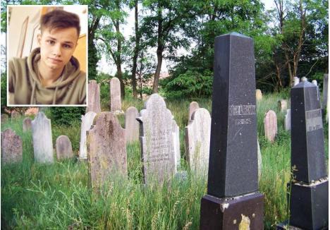"""SEX ÎNTRE MORMINTE. Partidele de sex în grup organizate de Kosztin Dezső (medalion) s-au desfăşurat în plină zi, în cimitirul evreiesc din Valea lui Mihai, unde tânărul de 18 ani şi-a dus """"prietena"""" ca s-o împartă cu toţi amicii"""