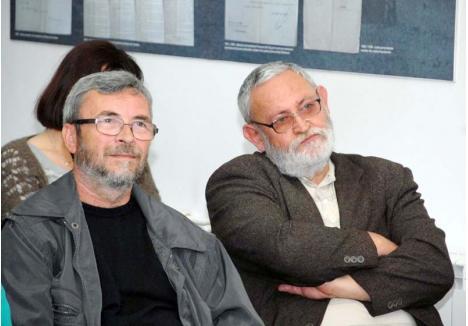 """CAPI DE FAMILIE. Redactorul şef al Familiei, Traian Ştef (stânga), şi directorul Ioan Moldovan (dreapta) sunt acuzaţi de unii confraţi că au parvenit într-o burghezie literară despre care defunctul Adrian Păunescu scria în """"Căpătuiala poeţilor tineri"""": """"Şi tot vorbind despre nedreptate / iată că am ajuns s-o facem noi înşine..."""""""