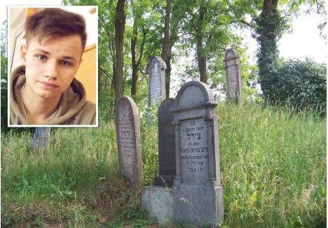 CRAI PENAL. Kosztin Dezső (foto), capul răutăţilor, a scăpat ieftin după ce a batjocorit, împreună cu tovarăşii săi, o adolescentă în cimitirul evreiesc din Valea lui Mihai (fundal)