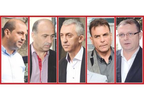 FĂRĂ VINĂ. În rechizitoriul întocmit pe numele şefilor posturilor de Poliţie din Cărpinet şi Pietroasa, agenţii Raul Rotar şi Gheorghe Bat, ai Poliţiei Rurale Beiuş şi Poliţiei Municipiului Beiuş, comisarii şefi Dorin Vesa şi Remus Indrei, şi IPJ Bihor, chestorul Liviu Popa (de la stânga la dreapta), Poliţia judeţeană era descrisă ca o instituţie cangrenată de corupţie, de jos până la şeful Inspectoratului. Acum, Înalta Curte de Casaţie şi Justiţie a stabilit că... nici vorbă