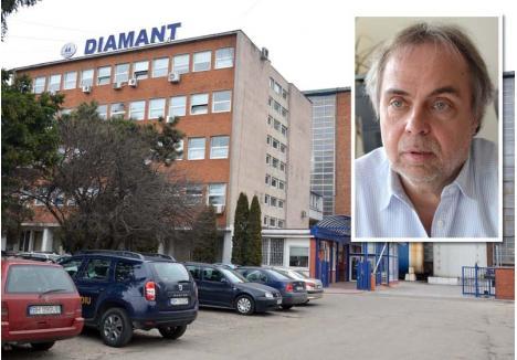 INAMIC. Fabrica de zahăr (foto) are halele sigilate, vinovaţi fiind consideraţi patronii nemţi şi directorul Takacs Janos (medalion). Sibian de origine, acesta a condus în trecut filiala Electrolux din Europa de Est, în 2010 fiind propus premier al Ungariei după demisia lui Ferenc Gyurcsany. Deşi în final i-a fost preferat un ungur get-beget, Gordon Bajnai, trecutul l-a făcut dubios în ochii sindicaliştilor şi politicienilor din ţară