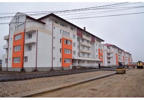 PARIUL PE APA TERMALĂ. În municipiul Oradea, 10% din energia produsă şi distribuită în sistem de termoficare provine din resurse regenerabile. Pentru noile blocuri ANL din str. Balogh Istvan energia termică se produce folosind apa geotermală