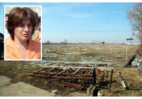 LILI TERMINATOR. În doar doi ani, Lili Maria Schutz (foto) a reuşit să lase serele orădene doar cu numele de pe poartă. În 2006, când a fost trimisă în judecată pentru înşelăciune cu consecinţe deosebit de grave, afacerista risca 15 ani de închisoare. Acum a scăpat de gratii, dar nu şi de plata pagubei care, potrivit anchetatorilor, depăşeşte suma de 13 milioane euro