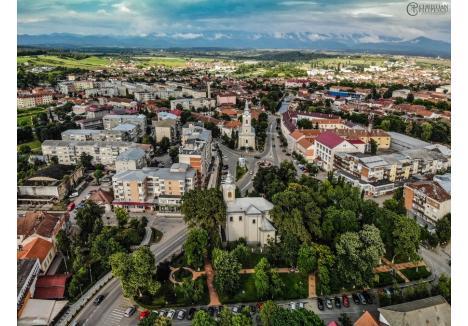 În Beiuş erau marţi 27 de cazuri active de Covid-19 (credit foto: Christian Filipescu, sursa: Facebook)