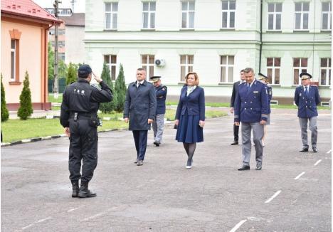 Carmen Dan la Inspectoratul Teritorial Oradea al Poliţiei de Frontieră, sursa foto: Prefectura Bihor