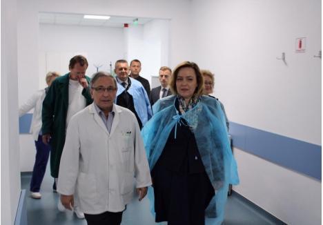 "Carmen Dan la Spitalul Militar ""Avram Iancu"", sursa foto: Prefectura Bihor"