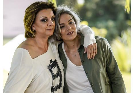 Din distribuţia spectacolului fac parte Carmen Tănase şi Maia Morgenstern (sursa foto: libertatea.ro)
