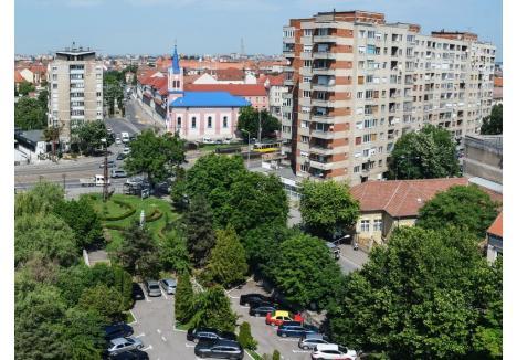 Pentru a realiza pasajul pe sub bulevardul Magheru, Primăria va tăia 26 de arbori de pe Aleea Ştrandului