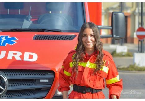 Printre premiați s-a numărat și Andreea Mihuț, o tânără de 19 ani, voluntară la SMURD care a efectuat în 2019 peste 300 de ore de voluntariat și a participat la 36 de intervenții.