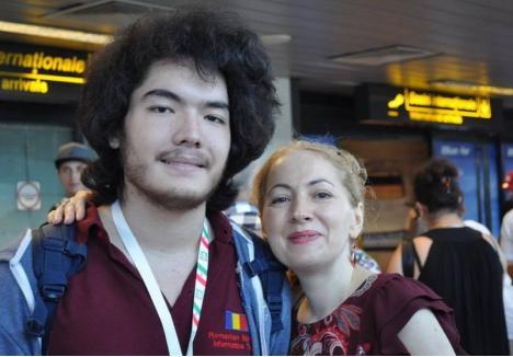 Tamio Vesa Nakajima, alături de mama lui, Adriana Vesa