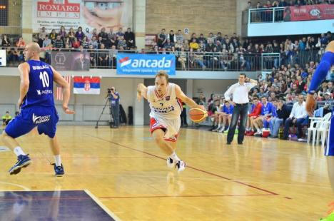 """Sârbul orădean: Nemanja Maric este cel mai vechi şi iubit """"stranier"""" al echipei orădene de baschet (FOTO)"""
