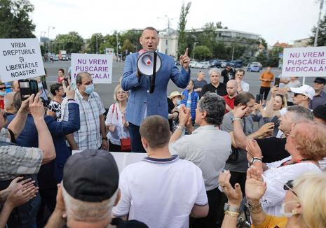 """Cataramă contra Bolojan: Viorel Cataramă se întoarce la """"a doua casă"""", pentru a se """"opune înțelegerii antiromânești"""" din Bihor"""