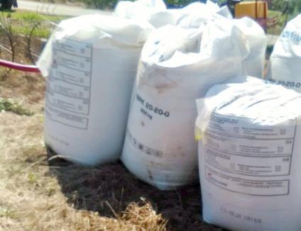 Evitaţi tragedia din Beirut! 11 tone de azotat de amoniu, depozitate neconform într-un sat din Bihor (FOTO)