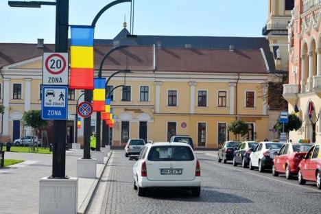 Oradea tricoloră: Oraşul s-a umplut cu steaguri (FOTO)