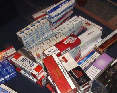 Un orădean ţinea evidenţa ţigărilor de contrabandă distribuite în judeţ