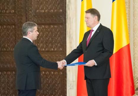 Bodog cel Mare: Şeful PSD Oradea şi-a văzut visul cu ochii, devenind ministru al Sănătăţii în ciuda problemelor de CV