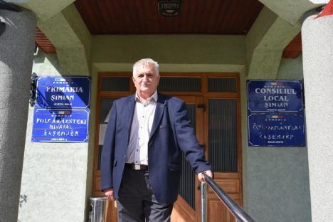 În Șimian, rezultatul e sigur! Aflat în funcţie de aproape trei decenii, primarul Balázsi Iosif a candidat de unul singur (FOTO)