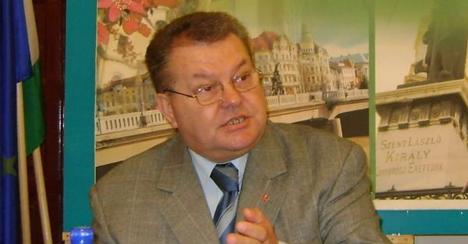 Deputatul Lakatos Peter acuză Guvernul Boc că trage de timp la prezentarea bugetului