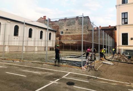 Două terenuri de baschet de la Colegiul Emanuil Gojdu au intrat în reabilitare