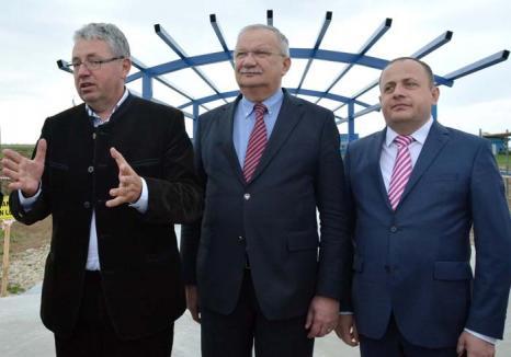 'Patronii' Bihorului: Şefii Consiliului Judeţean umplu cu neruşinare schema de personal, cu clienţi politici care nici măcar nu merg la serviciu