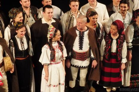 'Suflet românesc, atunci şi acum': Spectacol cu Ansamblul Icoane şi Ioan Bocşa la Cetatea Oradea
