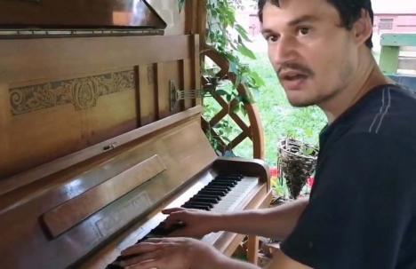 """Spălătorul de vase: Povestea orădeanului care a impresionat o țară întreagă cântând operă la """"Românii au talent' (FOTO / VIDEO)"""