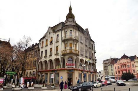 Renovări pe datorie: Casa Poynar va avea faţadele reabilitate cu bani împrumutaţi proprietarilor de către Primărie
