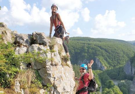 Gata de aventură? Bihorenii, așteptați la ture de via ferrata, rafting, cicloturism, speoturism și ospețe tradiţionale în natură (FOTO)