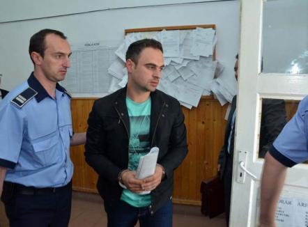 Agentul şpagă: Ce arată interceptările din dosarul poliţistului arestat pentru luare de mită