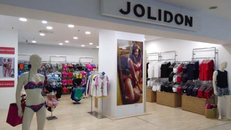 Crişul în întinerire: Din iniţiativa noilor proprietari, Crişul Shopping Center din Oradea îşi schimbă înfăţişarea (FOTO)