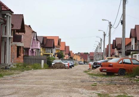 Casele de bani: Bolojan a schimbat caracterul social al cartierului Tineretului într-o afacere capitalistă, profitabilă geambaşilor