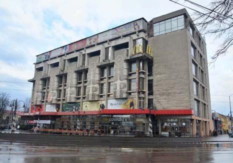 Crişul ia viteză! Vechiul magazin universal Crişul din Oradea îşi schimbă stăpânii şi devine mall