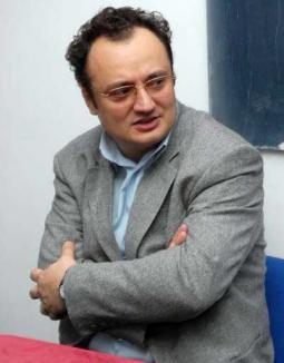 """Executat în culise: Lucian Silaghi, mazilit fiindcă a """"turnat-o"""" pe protejata lui Alexandru Kiss"""