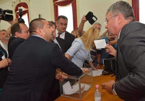 Circ... legal: Cum au stabilit magistraţii timişoreni că şefii Consiliului Judeţean Bihor au fost aleşi legal