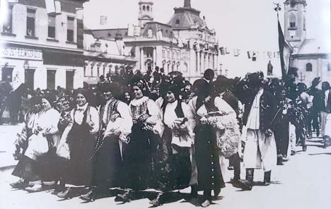Serbare regească: Vizita Regelui Ferdinand şi a Reginei Maria la Oradea, plină de emoţii şi... peripeţii (FOTO)