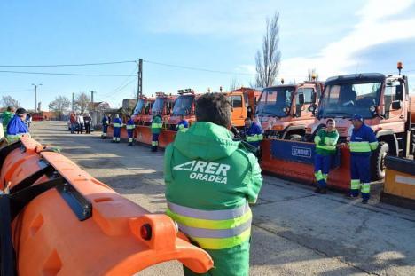 """RER, în """"gardă"""": 850 tone de antiderapant folosite în Oradea, în zilele cu zăpadă"""