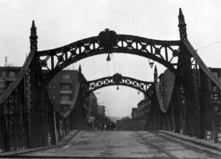 Oradea ieri, Oradea azi: Construcţia Podului Decebal vs. Podul Sovata