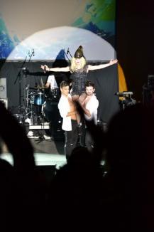 La Oradea, Loredana şi-a împlinit un vis: A cântat alături de Călin Pop de la Celelalte Cuvinte (FOTO/VIDEO)