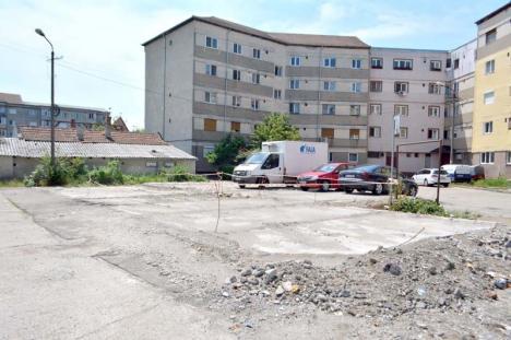 Pentru unii, mumă... Deşi întârzie lucrările, Primăria Oradea iartă firmele de penalităţile fixate în contracte