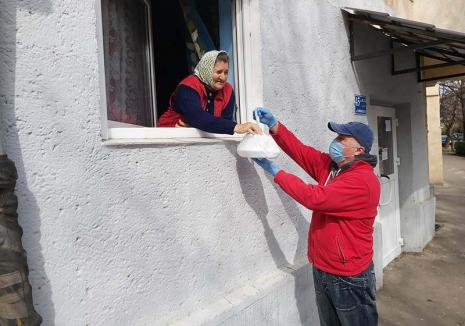 Nu sunteți singuri! Primăria Oradea asistă peste 20.000 de persoane vârstnice, aflate fără ajutor acasă